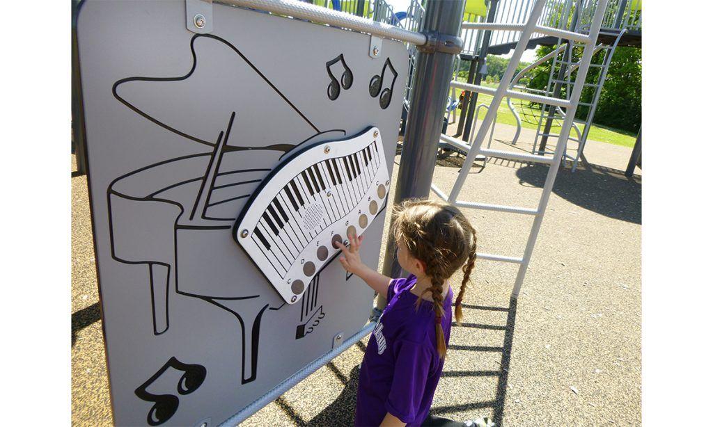 Outdoor piano panel