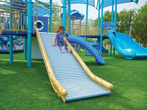 Freestanding playground roller slide