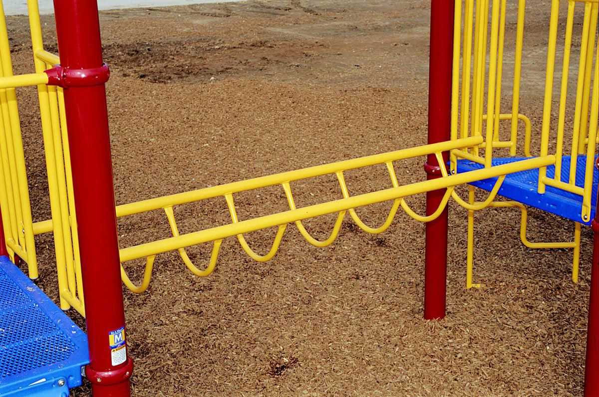 Flat loop bridge climber for playgrounds